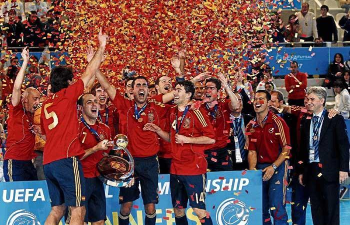 Espa a no s lo reina en el f tbol muchodeportivo for Federacion espanola de futbol sala