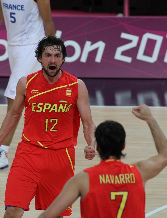 Sergio_Llull_and_Juan_Carlos_Navarro_excited